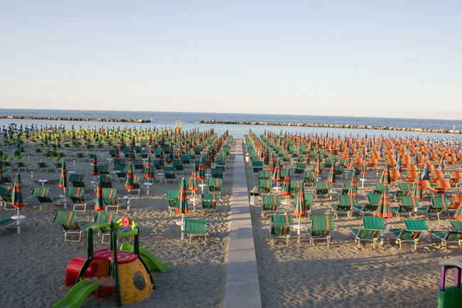 Villaggio camping gatteo fronte mare con spiaggia inclusa for Gardini per arredare gatteo fc